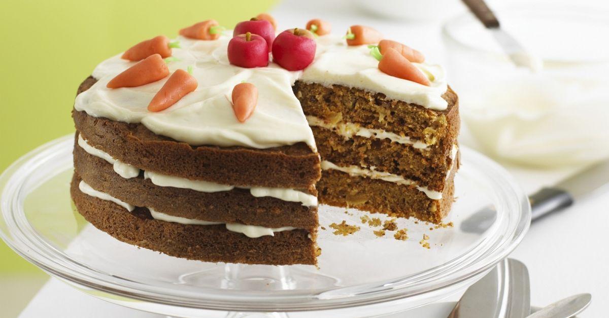 Herrlicher Schoko-Eierlikör-Kuchen mit Sahne