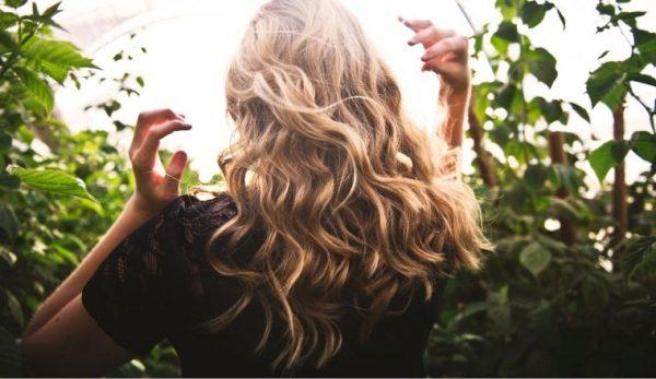 Haarpflege: 12 Fehler, die Sie unbedingt vermeiden sollten, um sie nicht zu beschädigen